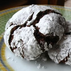 Chocolate Crinkles II Recipe - Chocolate cookies coated in confectioners' sugar...very good!