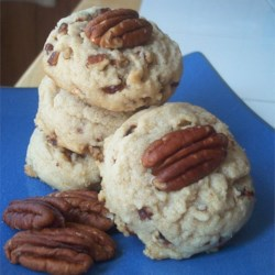 Pecan Sandies Recipe - Very good melt in your mouth cookies. Makes a bunch.