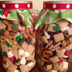 Christmas Snack Mix Recipe - This is so pretty in a decorative glass container to give to friends, sitters, paper boys, music teachers or co-workers during the holidays.