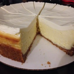 New York Cheesecake Recipe - This cheesecake is New York-style, fool-proof, easy, and super-delicious.