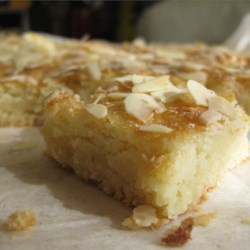 Almond Squares II Recipe - This recipe makes a cookie for almond lovers only! If you only 'like' almonds, this will turn you into an almond lover!