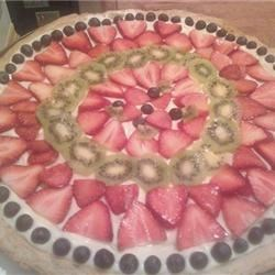 fruit pizza with blueberries, strawberries and kiwi