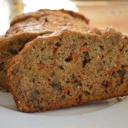 Mom's Carrot Banana Bread Recipe - Carrot banana bread is a new twist on the traditional banana bread recipe. Make for gifts during the holiday season!