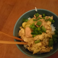 Oyakodon (Japanese Chicken and Egg Rice Bowl) Recipe - Japanese comfort food, Oyakodon is chicken meat and beaten eggs, simmered in a sweet and savory stock, and eaten over cooked rice in a bowl. Try it for breakfast some cold morning.