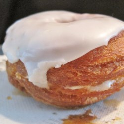 How to Make Cronuts, Part II Recipe - Part I of this series showed you how to make the dough for delicious cronuts. Now it's time to learn how to fry and  glaze your treats.