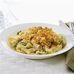 NO YOLKS(R) Creamy Chicken Divan Recipe - Maximize your time in the kitchen by preparing the whole bag of noodles. Use the extra noodles to prepare our NO YOLKS Garlicky Noodles with Kale* while the casserole is baking and you'll have tomorrow's lunch ready too!
