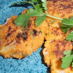 Sweet Potato Quinoa Patties Recipe - Sweet potato combines with quinoa to create sweet vegetarian quinoa patties that taste great on pita bread.