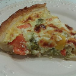Healthy Vegetarian Quiche Recipe - Vegetarian quiche loaded with vegetables and a hint of feta and mozzarella cheese is a healthier version of traditional quiche recipes.