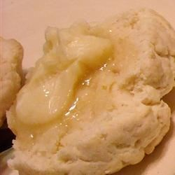 Honey Butter Recipe - Easy to make, yummy to eat!  Add 1 teaspoon of grated orange peel for breakfast or brunch.