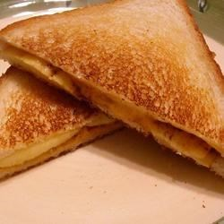 Grilled Cheese, Cinnamon, and Apple Sandwich Photos ...