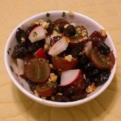 Balsamic Grape and Walnut Salad Recipe - Red grapes, walnuts, onions and more are mixed with balsamic vinaigrette for a fresh summer salad.