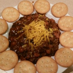 Quick Chili Recipe - This is a fast recipe for chili, mixing ground beef with canned beans, diced tomatoes, tomato sauce, and chili seasoning mix.