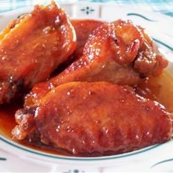 Sweet and Gooey Chicken Wings Recipe - Sweet and gooey chicken wings prepared with common ingredients, very tender.