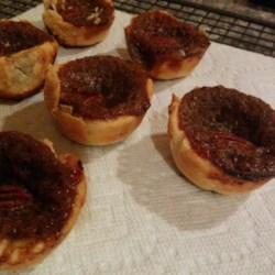 To-Die-For Butter Tarts Recipe - Currants and maple flavoring are the key ingredients in these butter tarts.