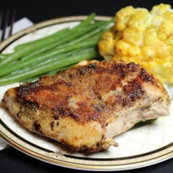 Lemon Garlic Chicken Recipe - Quick and easy lemon garlic chicken can be made in the skillet and is ready in less than 30 minutes for a weeknight meal.