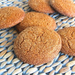 Spicy Ginger Cookies Recipe - Spicy ginger cookies get a kick from cayenne pepper and are always a favorite around the holidays, especially Christmas.