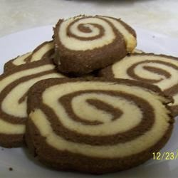 Pinwheel Cookies II Recipe - This cookie recipe makes peanut butter pinwheel-style cookies with chocolate chips.