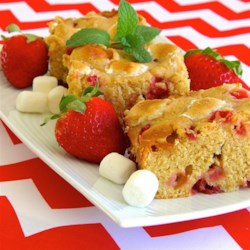 Strawberry-Marshmallow Blondies Recipe - These blondies have strawberries and marshmallows throughout for a delightfully fruity and sweet brownie alternative.