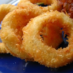 Old Fashioned Onion Rings Recipe - This is an actual recipe from a former employee of a popular drive-in restaurant. Crispy coated onion rings like the pro's make!