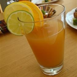 Randy's Texas Tea Recipe - Cold black tea with the refreshing tang of orange and lemon juices, a li'l sugah and the perfect garnish of sliced lemon and lime.