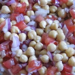 Chickpea Salad with Red Onion and Tomato