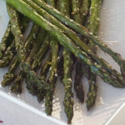 Simply Sesame Asparagus Recipe - Simple sesame asparagus is quick and easy to make on your grill and pairs perfectly with grilled meat or salmon.