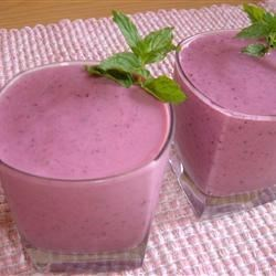 Triple Threat Fruit Smoothie Recipe - A wonderful, delightful fruit smoothie...it will help you cool down after a hot day in the sun.