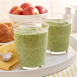 Apple and Kale Smoothie Recipe - Instead of refueling with a sugary sports drink, try this energizing combination of protein-rich cottage cheese, wholesome kale and applesauce.
