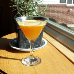 Autumn Sunshine Cocktail Recipe - Enjoy this autumn sunshine cocktail, made with maple syrup, Grand Marnier(R), and bourbon, any time of year.