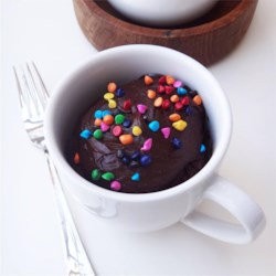 Fudgy Nutella(R) Mug Cake Recipe - This single-serving hazelnut cocoa cake can be made in less than 10 minutes with a little Nutella(R), cocoa powder, and coconut flour.