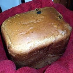 Cinnamon Raisin Bread II Recipe - This is a moist, delicious, not too sweet bread.  It is a favorite with family and friends.