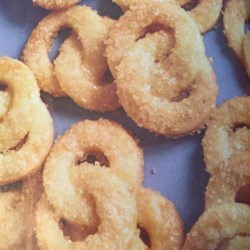 Almond Love Knots Recipe - Crunchy yet tender and buttery, these sparkling intertwined wedding ring-shaped cookies will become your go-to butter cookie.