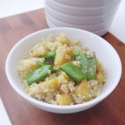 Quinoa Bowl Recipe - This quinoa bowl made with sweet potatoes, asparagus, and cashews is a quick and easy vegetarian meal that is a great main or side dish.