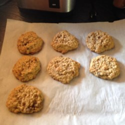 Oatmeal Banana Nut Cookies Recipe - An easy, oatmeal-based, drop cookie with the addictive taste of banana nut bread.