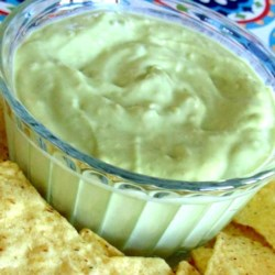 Avocado Dressing For Salads Recipe - Avocado dressing is easy to make with just a few ingredients and is delicious on mixed green and spinach salads.