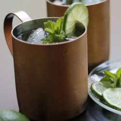 Simple Moscow Mule Recipe - Made with ginger beer, vodka, and lime juice, the refreshing taste of a Moscow mule cocktail can't be beat!