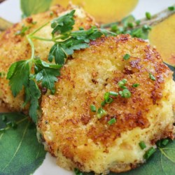 Panko Crusted Mashed Potato Cakes Recipe - Kikkoman Panko Bread Crumbs make a crispy crust for these pan fried mashed potato cakes.