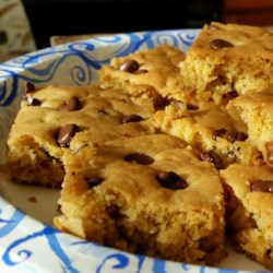 Blonde Brownies I Recipe and Video - Rich, chewy blondies full of nuts and brown sugar, with chocolate chips on top.