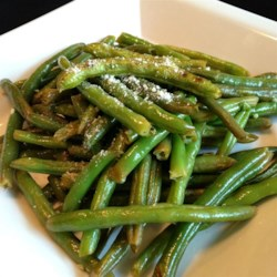 Simple and Tasty Green Beans Recipe - Fresh green beans were never so easy! These marinate for just a few minutes, then go under the broiler until tender crisp.