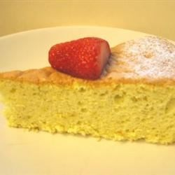 Lemon Sponge Cake II Recipe - A natural, very good, flavorful lemon sponge cake.