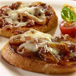 French Onion Bruschetta Recipe - If you like French Onion soup you'll love this easy-to-make French Onion Bruschetta!