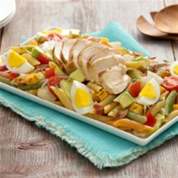 Catelli Bistro(R) California Cobb Penne Salad Recipe - Perfect for potlucks, this crowd-pleasing pasta twist on a classic Cobb salad with zesty ranch dressing, crispy bacon and creamy avocado is both hearty and satisfying.