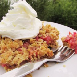 Royal Rhubarb Crisp Recipe - If you love rhubarb-strawberry mixtures, you'll love this easy recipe for a sweet rhubarb crisp with strawberries.