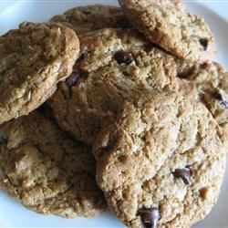 Peanut Butter and Bran Cookies Recipe - Creamy and crispy and good for you, too! Don't over-bake!