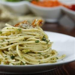 Barilla(R) Spaghetti with Artichoke and Pistachio Pesto Recipe - A freshly blended artichoke, pistachio, and parsley pesto brings brilliant flavour to Barilla(R) Spaghetti pasta.
