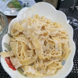 Gorgonzola Sauce Recipe - Simple but complex cream sauce with gorgonzola cheese and a hint of nutmeg.