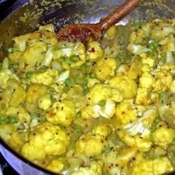 Curried Cauliflower and Peas
