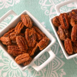 Cinnamon Sugared Pecans Recipe - Cinnamon and sugared pecans with a hint of salt are the perfect sweet and savory treat during the holiday season.