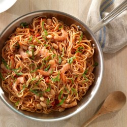One Pan Spaghetti with Spicy Marinara and Shrimp Recipe - This quick and easy spaghetti and spicy marinara is a meal in itself with the addition of white beans and shrimp.
