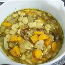 Luscious Lima Bean Soup II Recipe - Slow cooking ease combined with fantastic flavor has made this a favorite at our house & even kid's 'yuk-lima beans' have turned into 'YUM--LIMA BEAN SOUP.'